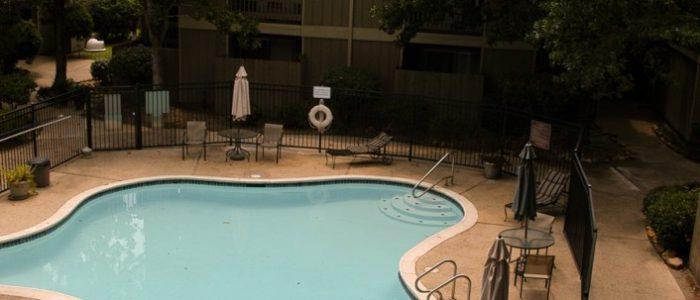 pool4-706x1024